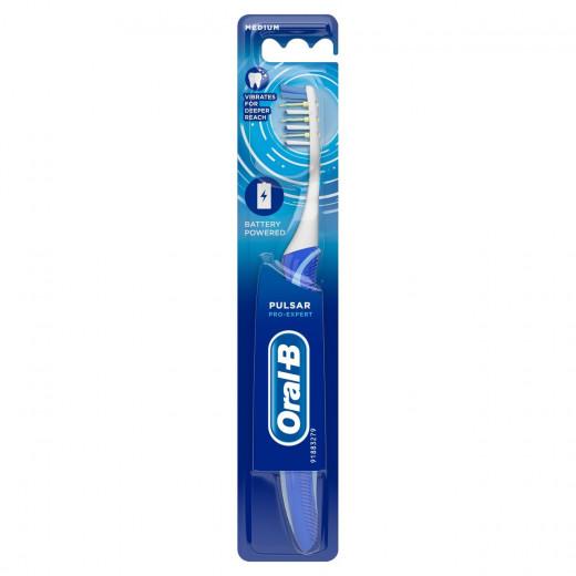 Oral-B Toothbrush Pro-Expert Pulsar 35 Medium